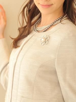 『真珠ブローチ』入学式・卒業式に付けてくる人が増えています!!!のサムネイル画像