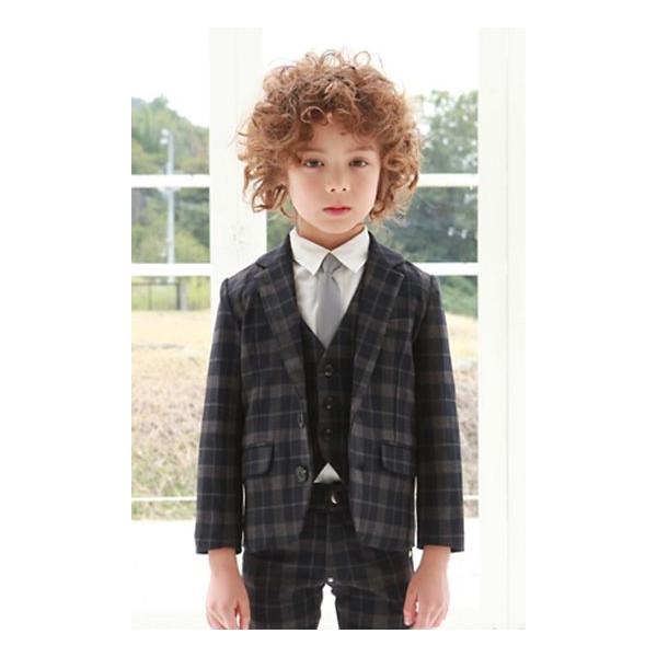 こどもだってオシャレに決める!!男の子スーツをご紹介します!!のサムネイル画像