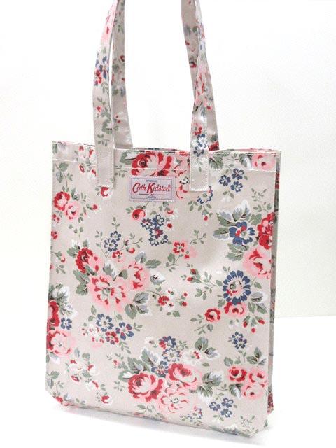 春のお出かけは花柄バッグで決まり‼カワイイ花柄バッグ画像集のサムネイル画像