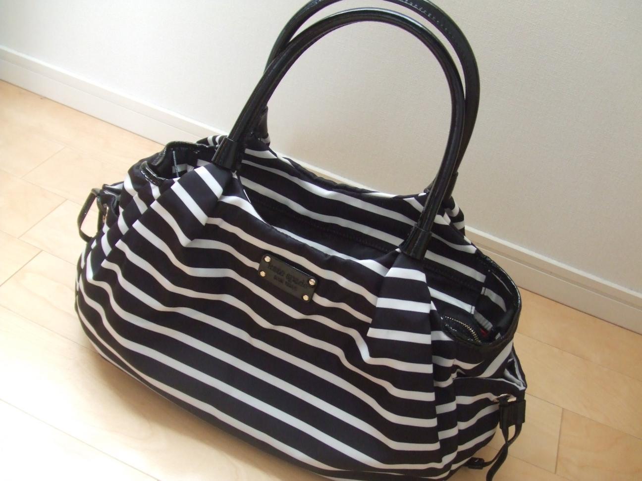 赤ちゃんとのお出かけは、おしゃれなママバッグを持って行こう☆のサムネイル画像