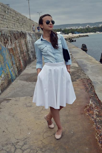 【白スカート】春が待ち遠しくなる白のスカートのコーデ術!!のサムネイル画像