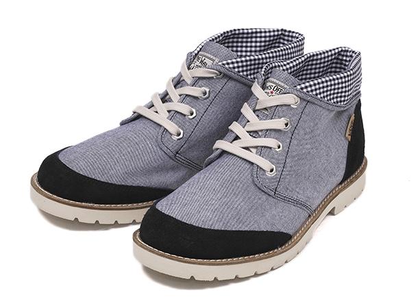 おしゃれなブーツやスニーカーをご紹介します☆人気のデザインは?のサムネイル画像