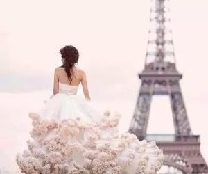 【二次会だって可愛くしたい!】ゲストに愛されるウェディングドレスのサムネイル画像