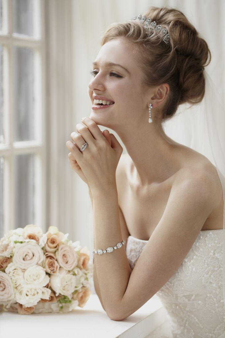 【人気のウェディングドレスを海外レディースブランドでご紹介】のサムネイル画像