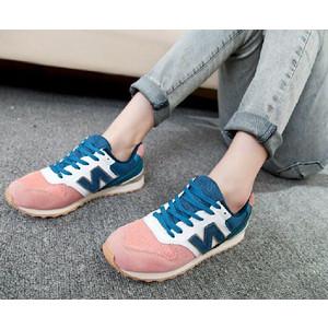 レディースのスニーカーをオシャレに可愛く履きこなそう!!のサムネイル画像