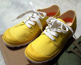 今年の春夏は黄色のスニーカーを履こう☆おすすめ商品をご紹介!のサムネイル画像