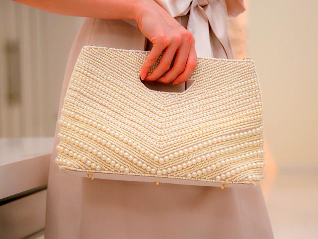 おしゃれ!お呼ばれ結婚式に必要なおすすめかわいいバッグは?のサムネイル画像