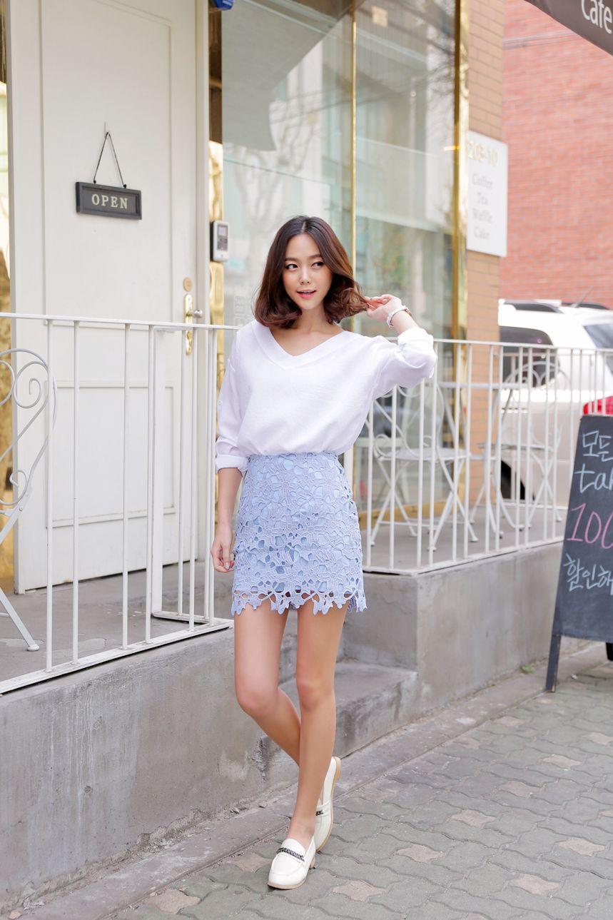 【必見】OLの方にぴったりなミニスカートを使ったコーディネート♡のサムネイル画像