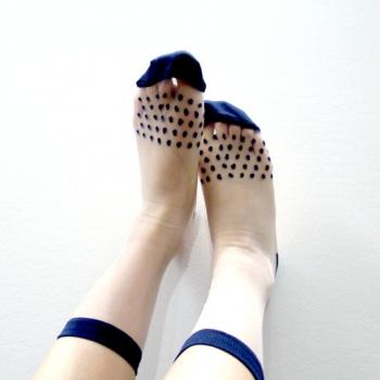 おしゃれな靴下を履いてお出掛けしよう☆おすすめのデザインは?のサムネイル画像