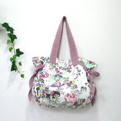 春にぴったりのおしゃれなバッグをご紹介します☆人気のデザインは?のサムネイル画像