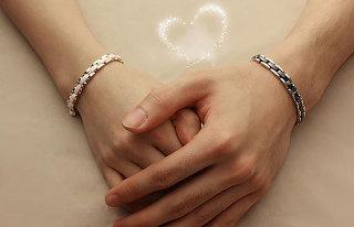 大好きな彼と『♡お揃いブレスレット♡』をつけてもっとラブラブに♡のサムネイル画像