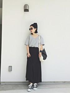 黒のロングスカートは女性がかっこよくなれるファッションアイテム!のサムネイル画像