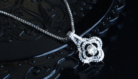 ダイヤモンドペンダントを付けて、いつもとは違う貴方に変身しよう!のサムネイル画像