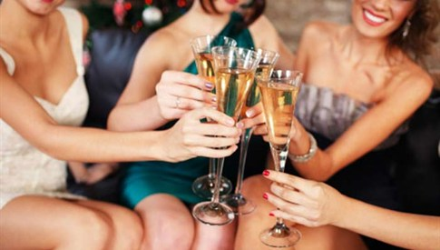 ドレスコーデにマストアイテム特集!パーティーもお洒落に美しく♡のサムネイル画像