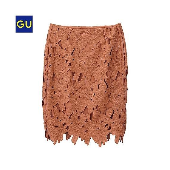 この春GUのタイトスカートで、大人いい女の艶っぽいコーデをしよう!のサムネイル画像