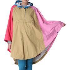 カラフルなレインポンチョは雨の日のレディースコーデにおすすめ!のサムネイル画像