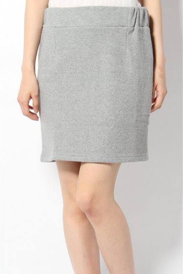 グレーのタイトスカートは大人の女性らしくなれるアイテム♡のサムネイル画像