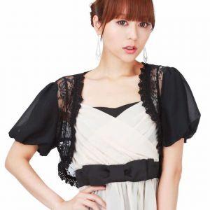 ドレス姿をより美しく見せてくれる♡絶対使える&可愛いボレロのサムネイル画像