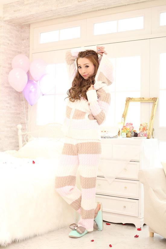 寒い冬も可愛く防寒♡レディースの可愛いあったかパジャマ特集のサムネイル画像