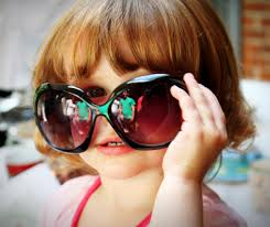 『レディースサングラス』は今!ブランドものじゃなくても可愛い♡のサムネイル画像