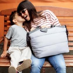 【軽いマザーズバッグ】は収納力も抜群で荷物の多いママの見方!のサムネイル画像