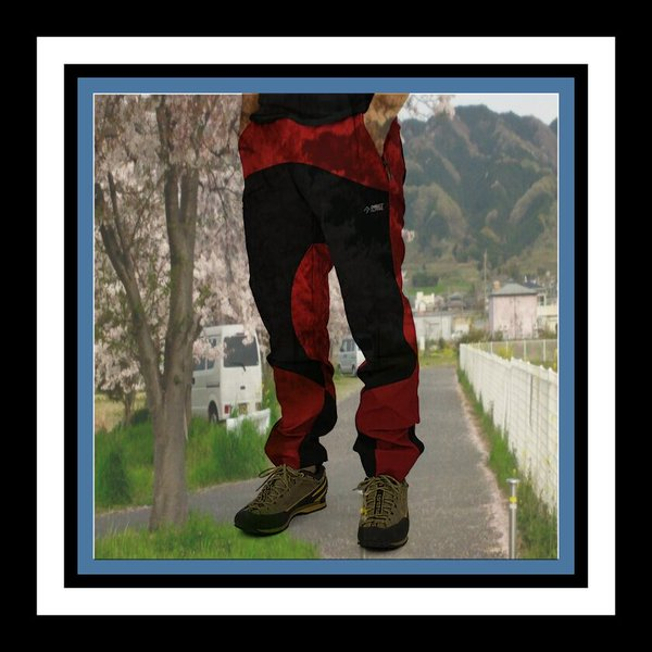 アウトドアなシーンに活躍すること間違いなしのパンツについてのサムネイル画像