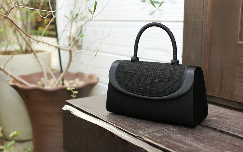 大人の女性ならひとつは持っていたい【黒のフォーマルバッグ】特集。のサムネイル画像