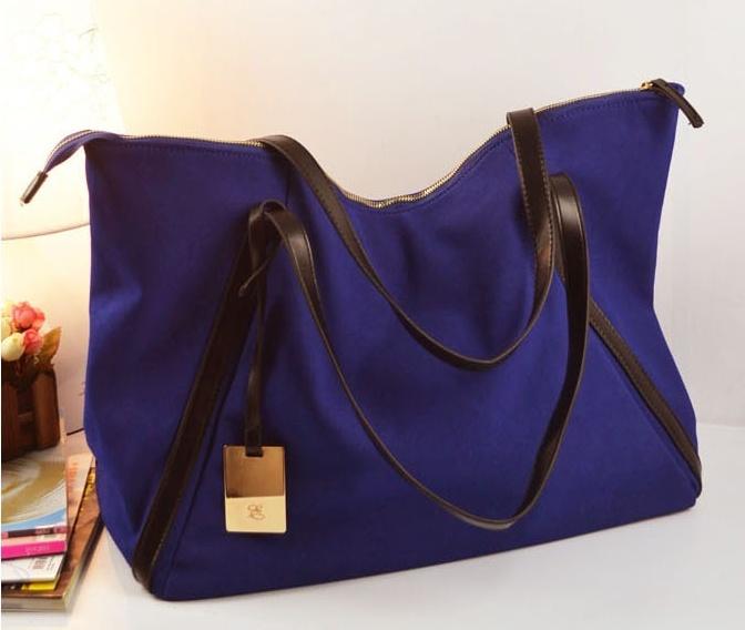便利な大きいサイズのトートバッグを持ってお出かけしよう☆のサムネイル画像