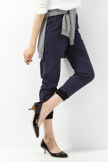 コーデを参考♡ネイビーのパンツを使うと大人の女性の印象になれる♡のサムネイル画像
