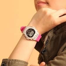Gショックのレディース腕時計は大人カジュアルコーデにおすすめ!のサムネイル画像