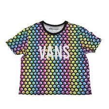 VANSのレディースTシャツはリゾートやカジュアルコーデにおすすめ!のサムネイル画像