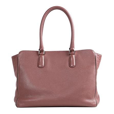 お仕事や旅行に便利なレディースの革トートバッグをご紹介します!のサムネイル画像