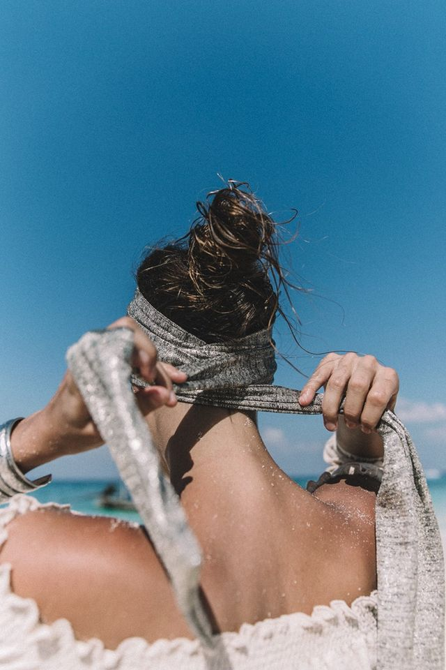 【ヘアバンドコーデ】バンダナやスカーフを使ったヘアバンド!のサムネイル画像