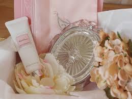 ジルスチュアートの鏡をご紹介!優雅にお姫様気分を味わってみてのサムネイル画像
