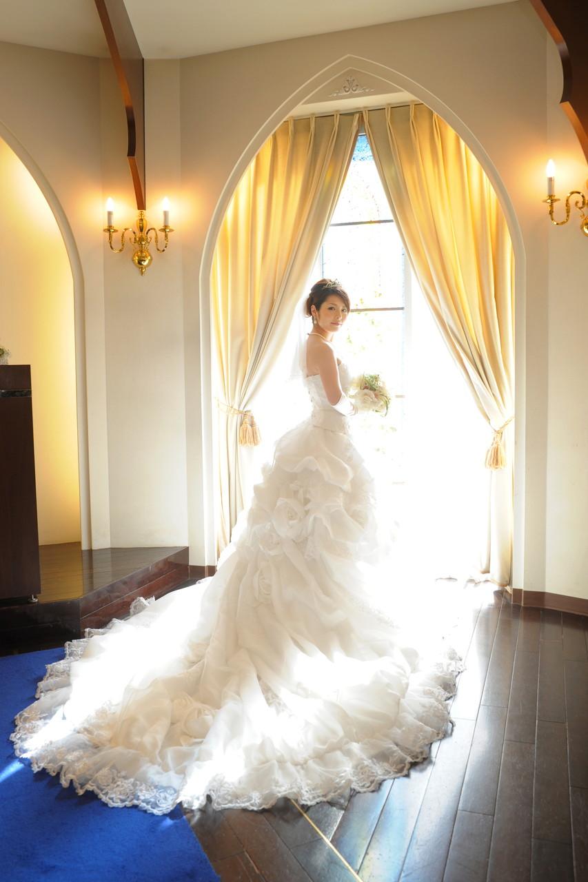 【かわいいウェディングドレス】で素敵な思い出に残る結婚式を!のサムネイル画像