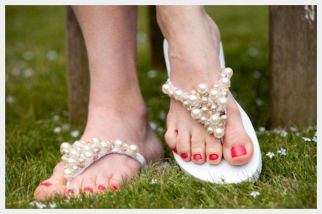 夏が待ち遠しい!人気ブランドのビーチサンダルでオシャレコーデ!のサムネイル画像