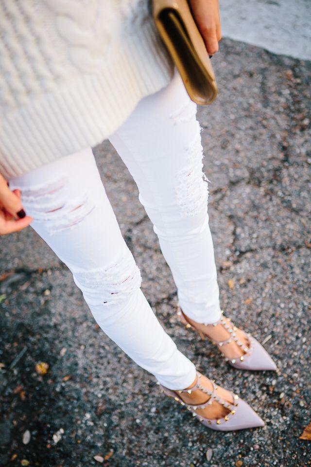秋は白パンツでコーデしたい!爽やかな着こなしが魅力的です!のサムネイル画像