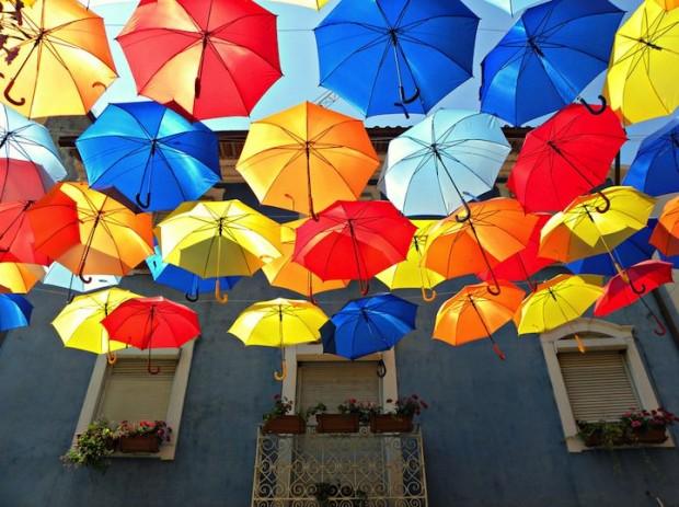 【おしゃれな折りたたみ傘】雨の日もお洒落な傘でテンションUP!のサムネイル画像