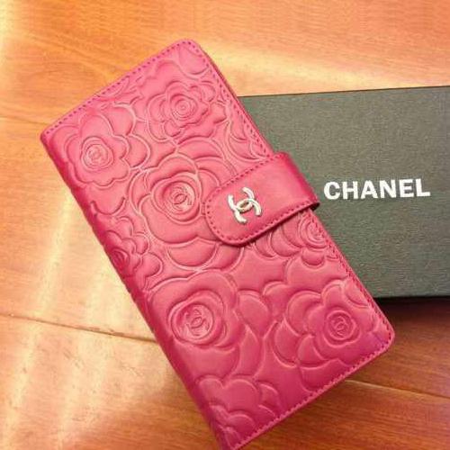 人気ブランド「シャネル」のおしゃれな財布を持ってみよう♡のサムネイル画像