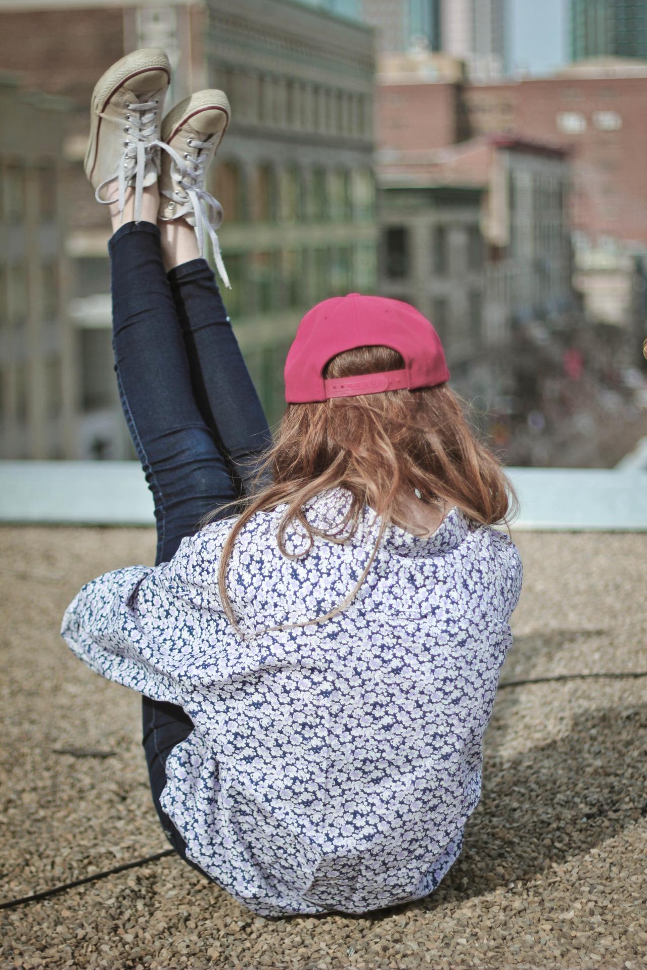 【ベースボールキャップコーデ】トレンドスタイルの帽子はキャップ!のサムネイル画像