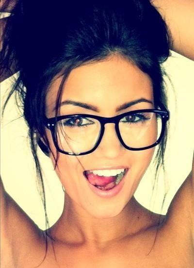 おしゃれメガネブランドで雰囲気一転☆メガネ ブランド ランキング☆のサムネイル画像