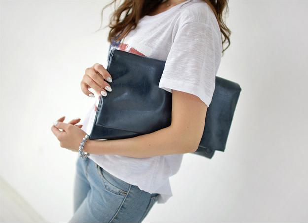 黒のクラッチバッグでオシャレな自分に♡お勧めブランド5選♡のサムネイル画像