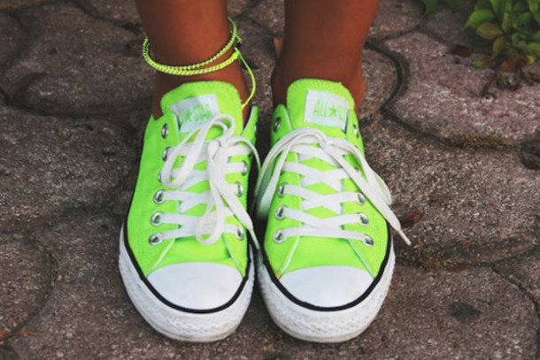 【コンバース】他人と被る率ゼロ?!緑色のコンバースがおしゃれ!のサムネイル画像