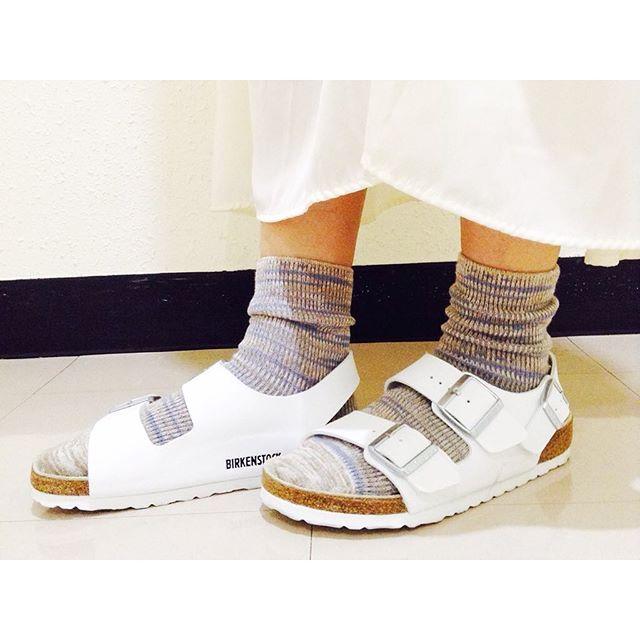 靴とセットで靴下の組み合わせも楽しんで♡足元コーデにご注目!のサムネイル画像