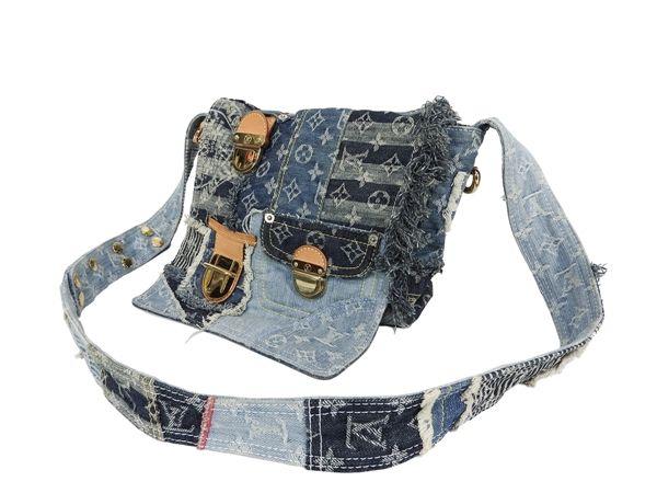 絶対欲しい♪♪ブランドのデニムショルダーバッグが可愛い♪のサムネイル画像