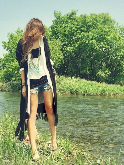 履かないデニムも生き返る♡自分で出来るダメージデニムの作り方のサムネイル画像