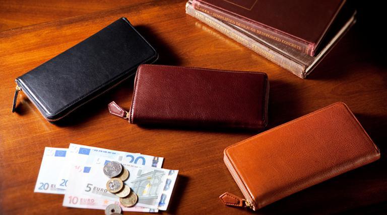 お洒落さんは財布にも気を抜かない!こだわりの革財布ブランドまとめのサムネイル画像