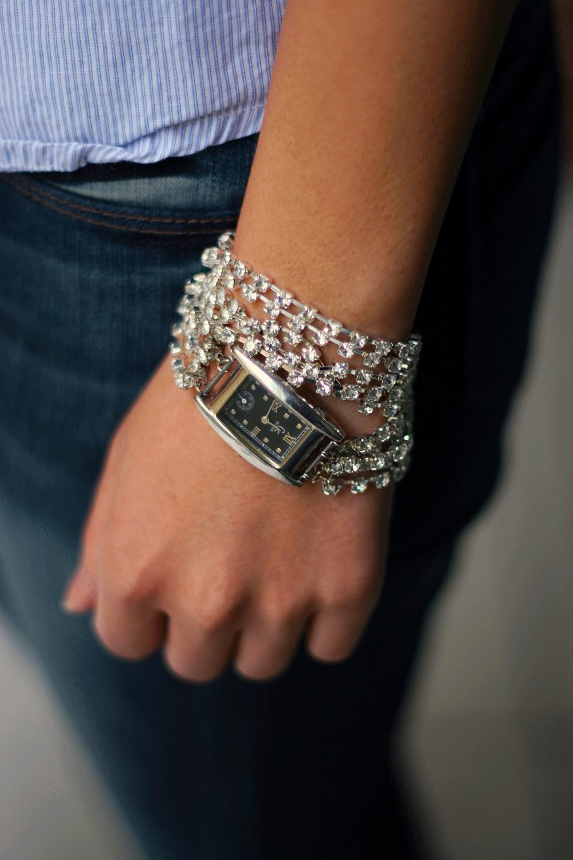 【腕時計&ブレスレット】腕時計にはブレスレットを重ね付け♡のサムネイル画像