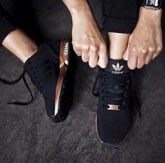スニーカーの靴紐アレンジでさらなる靴の可能性をさぐっちゃおう!のサムネイル画像