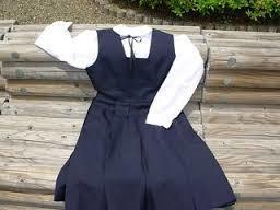 動きやすくて機能的なジャンパースカートは制服や事務服におすすめ!のサムネイル画像